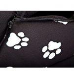 La caseta para perros pequeños Hobbydog tiene un estampado atractivo